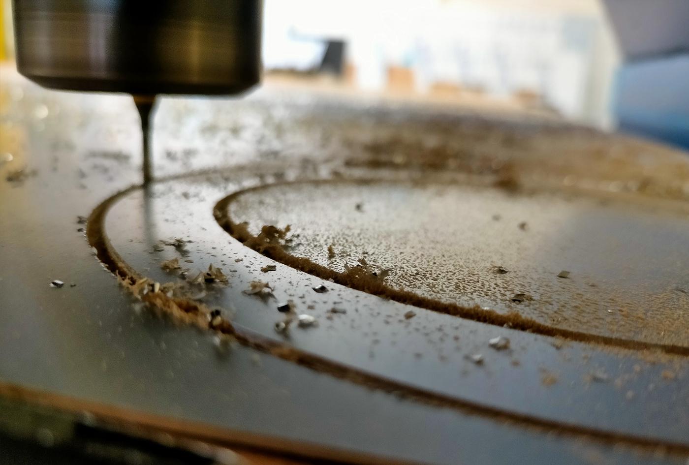 Fraisage / Découpe / usinage dans une plaque en aluminium.
