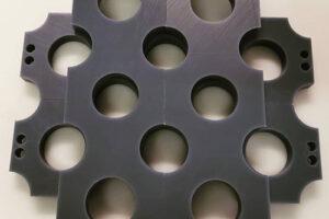 découpe de Cestidur, matière plastique usiné sur mesure.